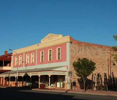 Broken Hill Regional Art Gallery - The Lodge Outback Motel