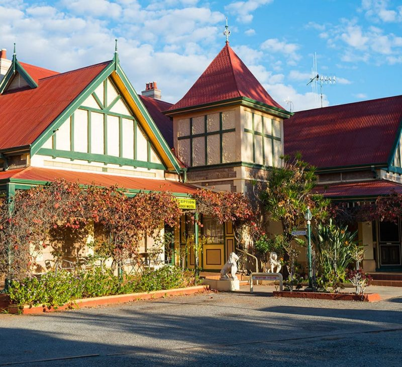 Motel Accommodation in Broken Hill - The Lodge Outback Motel